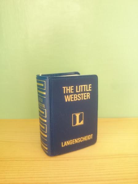 画像1: 【Sale!】THE LITTLE WEBSTER ミニチュア辞書