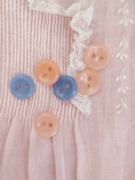 画像1: ヴィンテージボタン2つ