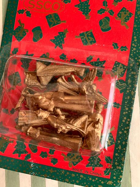 画像1: ゴールドのミニクリスマスフィギュアセット