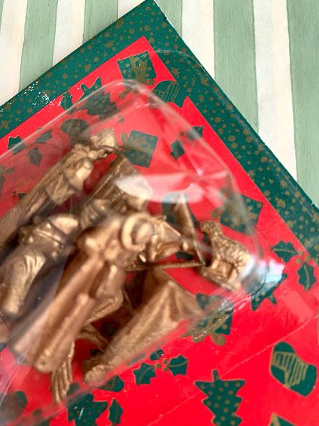 画像3: ゴールドのミニクリスマスフィギュアセット